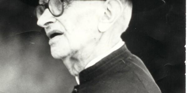 Don Enrico Galanti parrocco di Tiola
